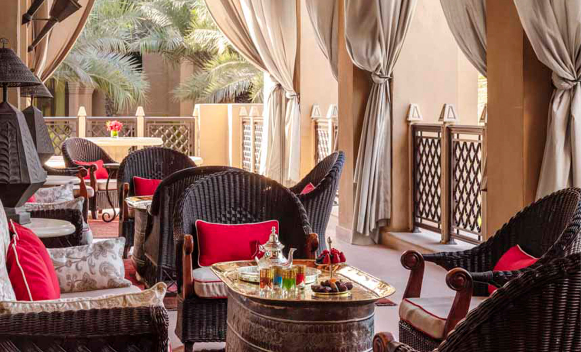 Arabian-Court-one-and-only--Dubai-outdoor-dining