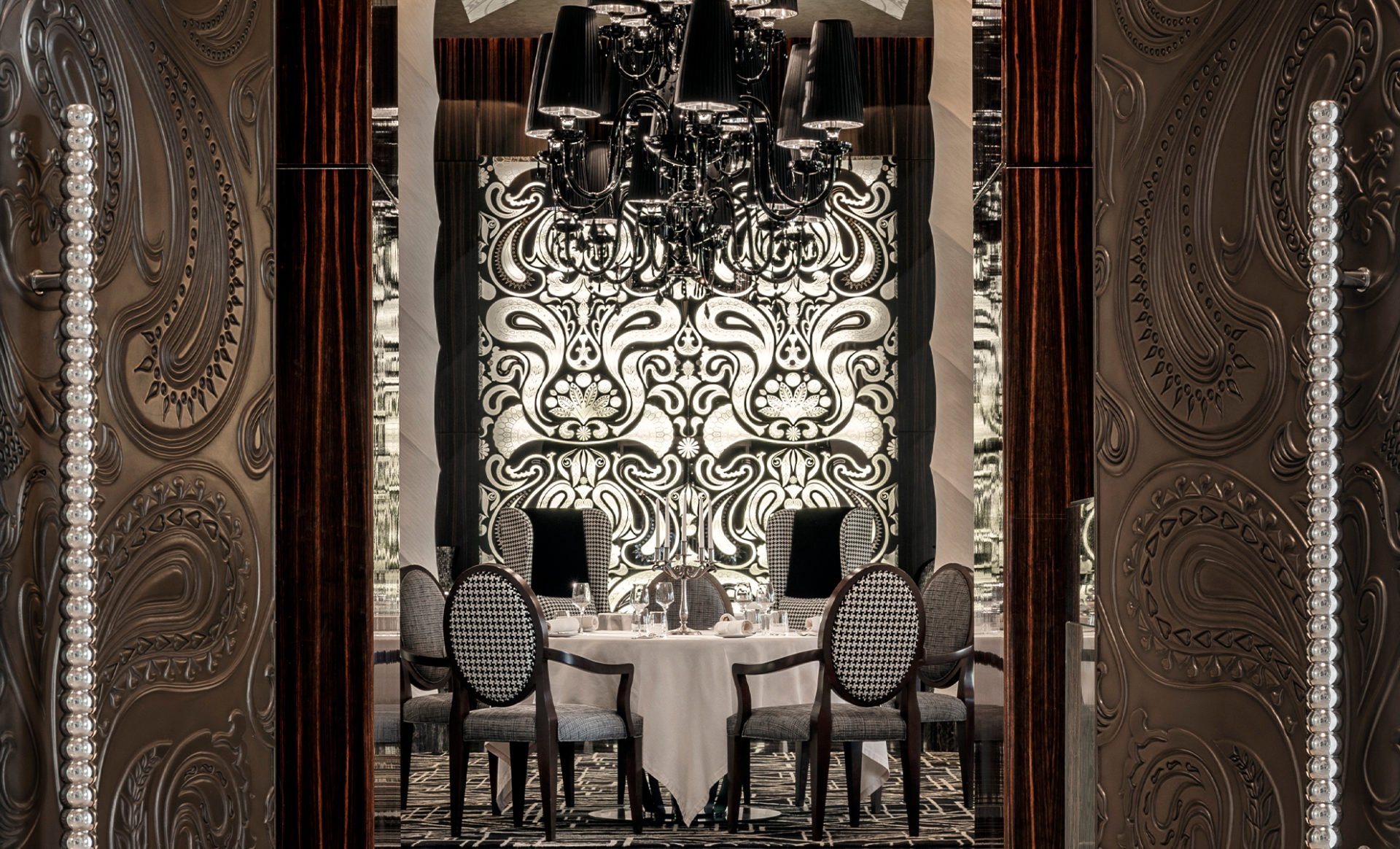 ONE&ONLY-THE-PALM--Dubai-dining-room