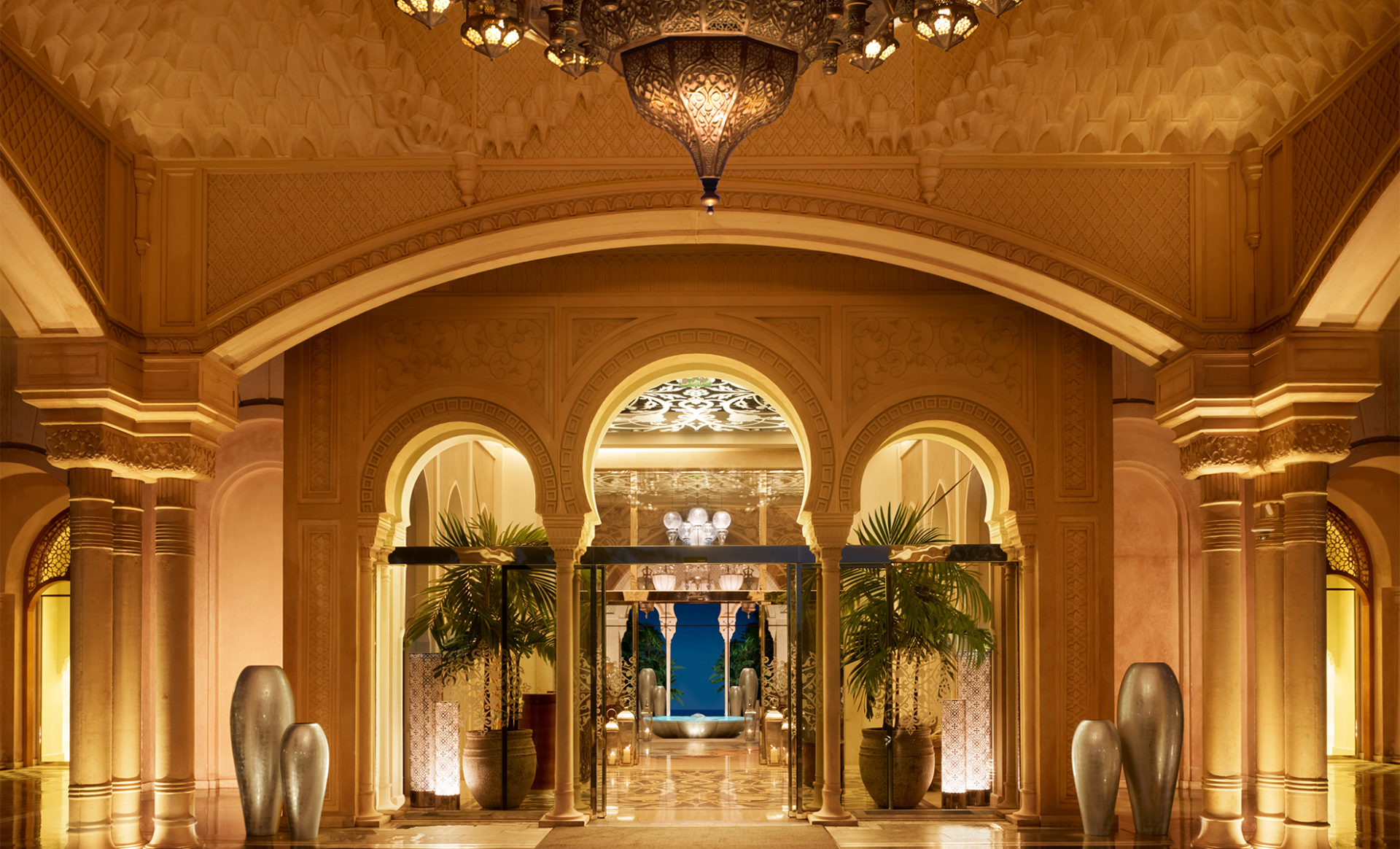 ONE&ONLY-THE-PALM--Dubai-enterance