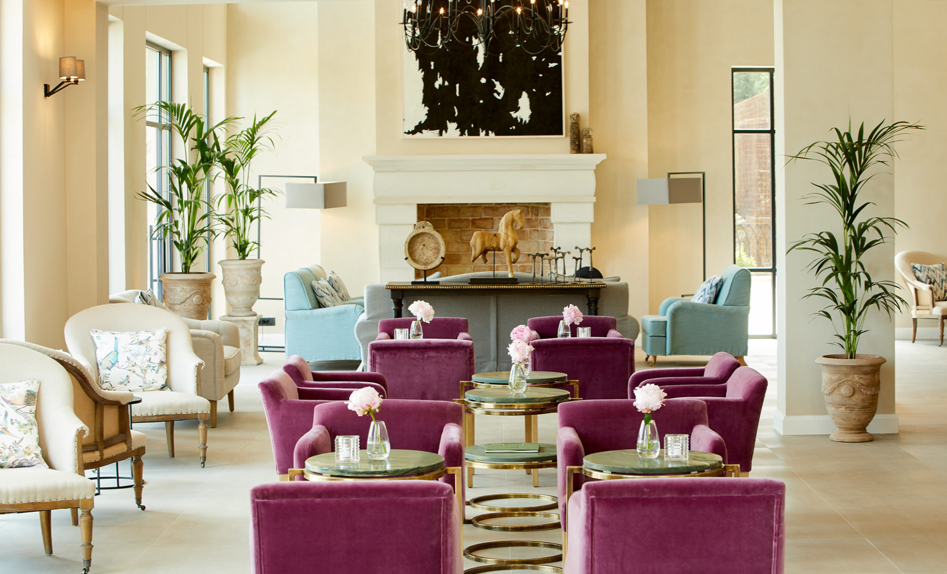 MARBELLA-NIDO-SUITES--Corfu-lobby-with-chairs