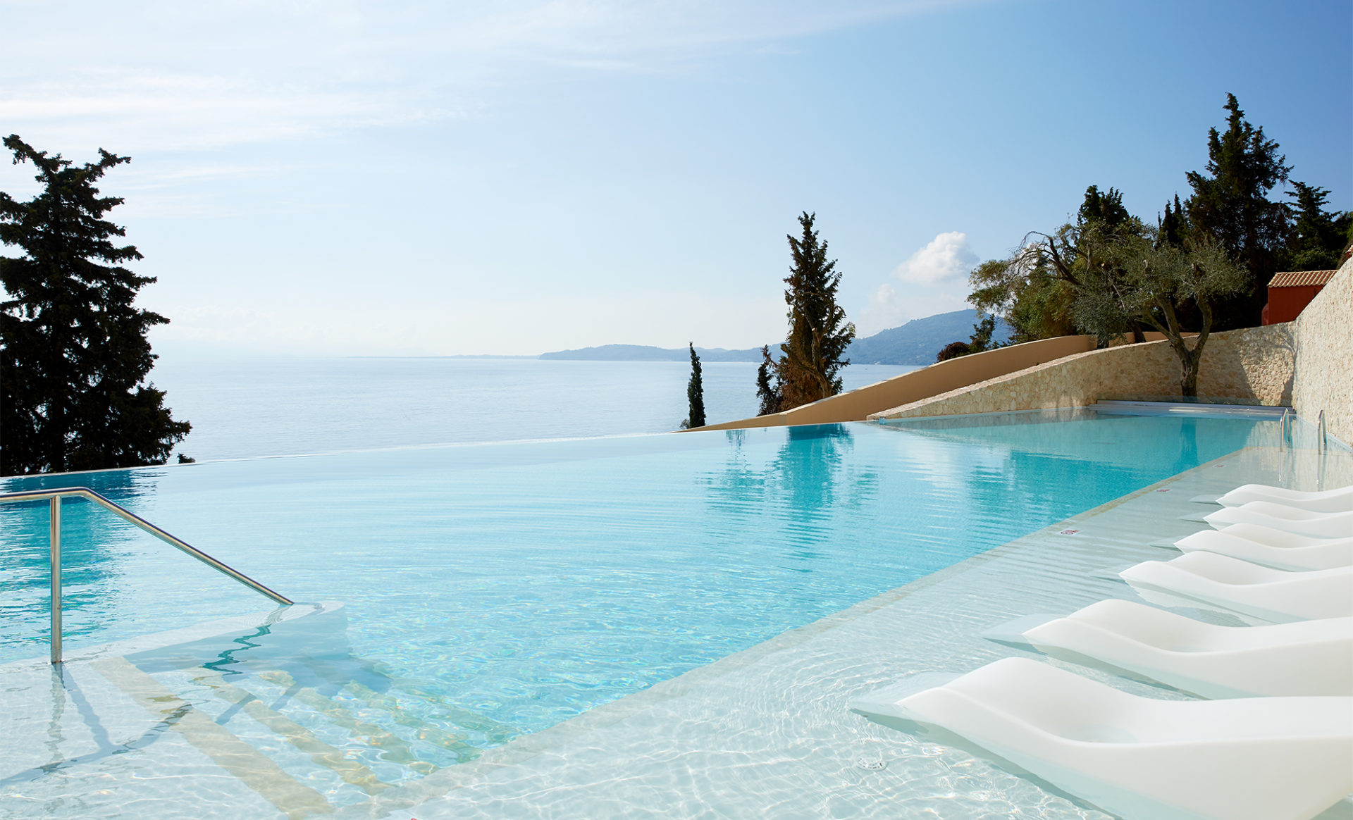 MARBELLA-NIDO-SUITES--Corfu-main-pool